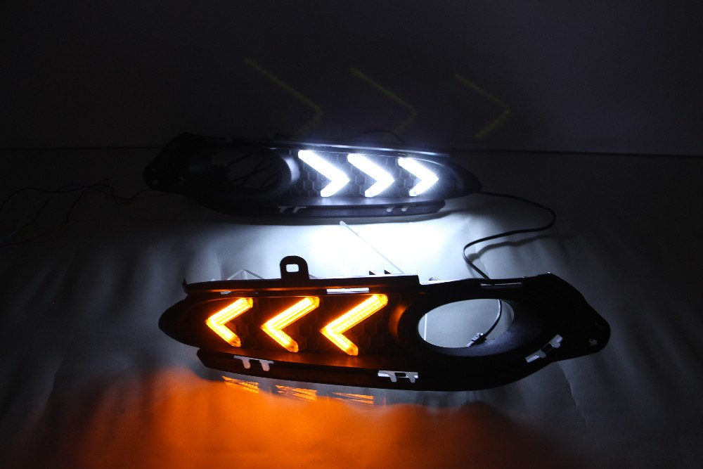 цена на eOsuns  LED DRL Daytime Running Light For Honda Vezel HRV HR-V 2014 2015 Ultra-bright with yellow turn signals