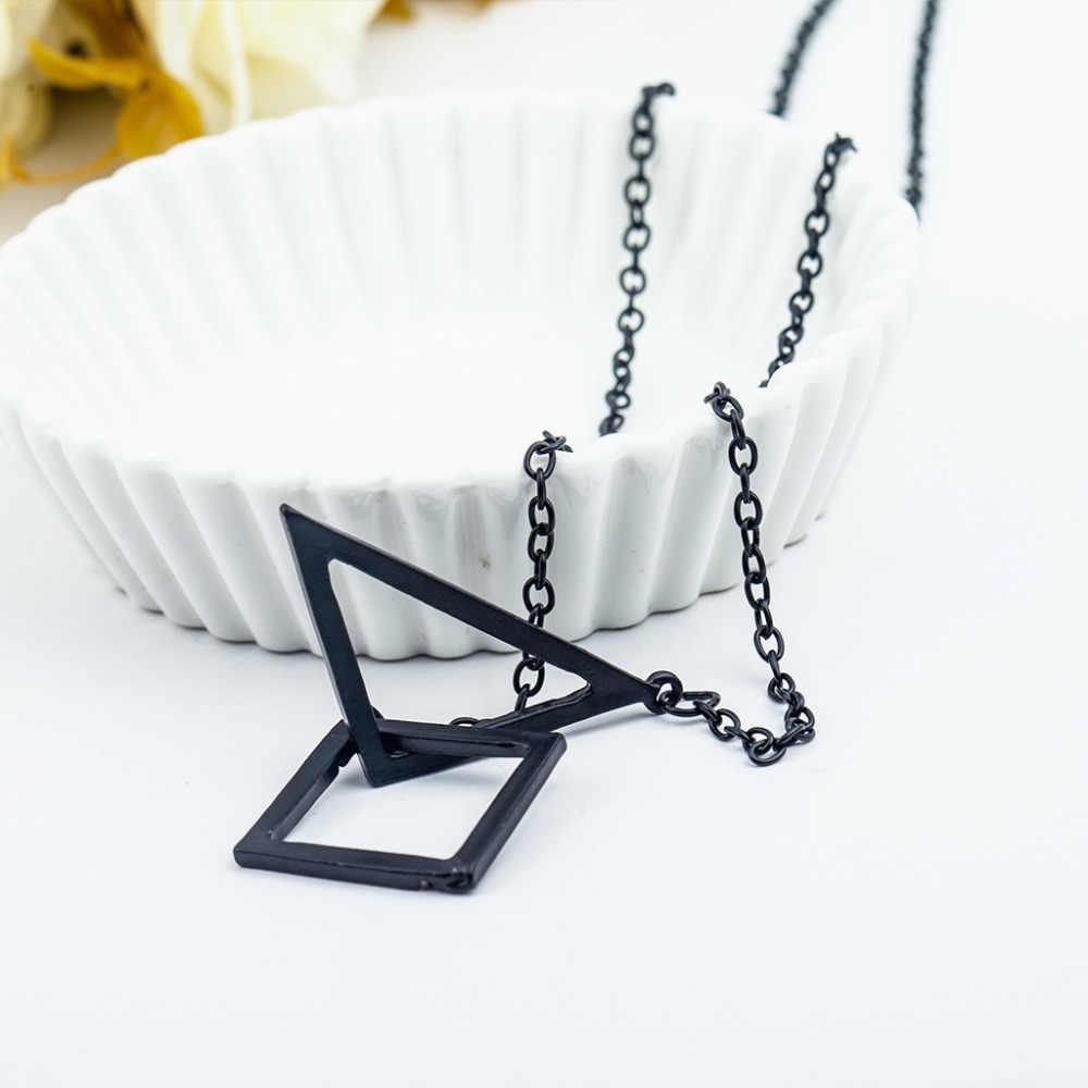 Trójkąt kwadratowy krzyż wisiorek naszyjniki czarny długi łańcuch sweter Hollow wzór geometryczny oświadczenie urok kobiety mężczyźni biżuteria punkowa
