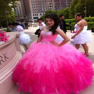 Pink-and-rose-vestidos-de-Quinceanera-Dresses-With-Crystal-Hand-Beaded-Sweetheart-Neck-Sleeveless-Ball-Gowns