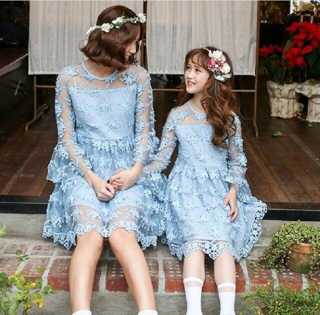 Мать дочь платья Новый Летний семья Цветочные Кружева Платья Мама Дочь Девушка платье Дети Девушки платье