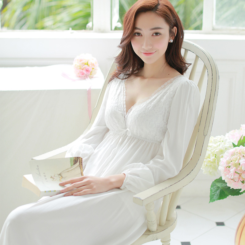 Free Shipping 2017 New Princess Wonen s White Long Pyjamas Lace Nightgown  100% Cotton Summer Sleepwear Ladies pijamas femininos-in Nightgowns    Sleepshirts ... e35c50880