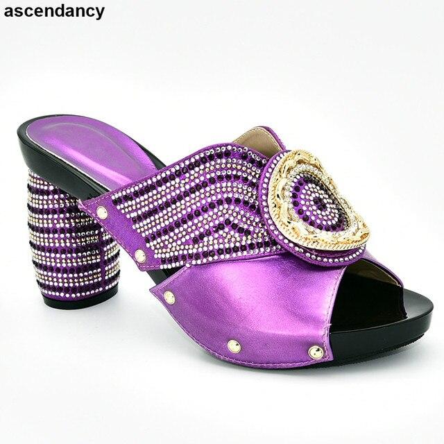 موضة جديدة أحذية حجم كبير حذاء حريمي بكعب عالٍ أحذية أنيقة 2019 أحذية نسائية مزينة بحجر الراين عالية الكعب الانزلاق على مضخات الحفلات