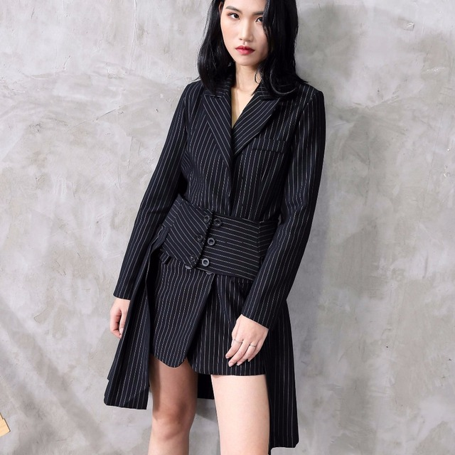 02a7b3366c33 Runway Women Blazer Dress 2018 Sexy Autumn Winter Office Lady Suits Cape  Blazers Women's Coats Formal