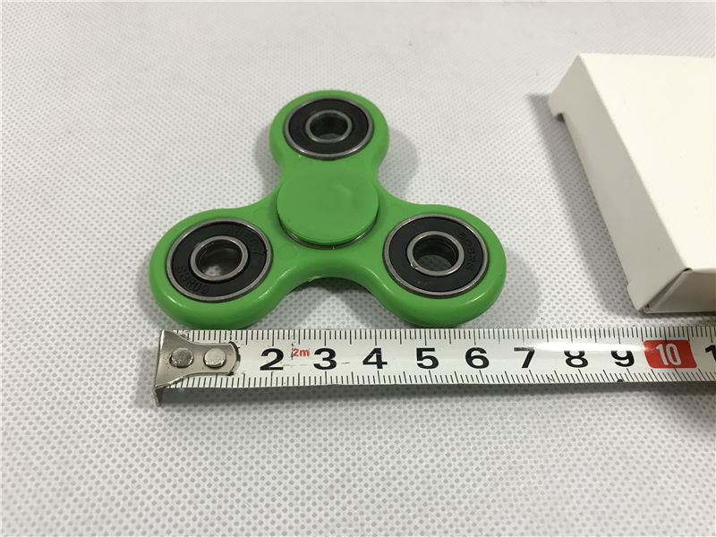 2017 New EDC Tri-Spinner Fidget Toy Plastic Hand Spinner For Autism and ADHD Hand Spinner Fidget Spinner Giocattoli Bambini