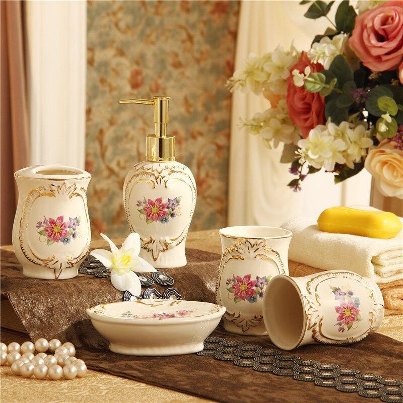 Accessoires de décoration de maison salle de bain de style européen cinq pièces suite articles en céramique kit de lavage brosse à dents coupe de bain de bouche