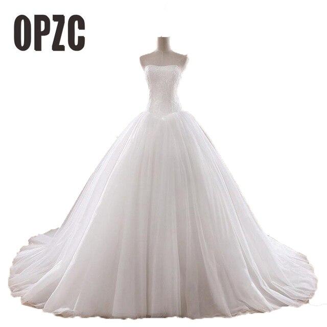 מכירה לוהטת 0.8 M משפט רכבת חתונה שמלת 2016 זול סלבריטאים סטרפלס בציר טול כלה כדור שמלת אורגנזה תחרת כלה שמלה