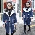 Девочки-подростки куртки и пальто denim толстые зима футболки с длинным пальто модные дети 2016 бархатные толстовки