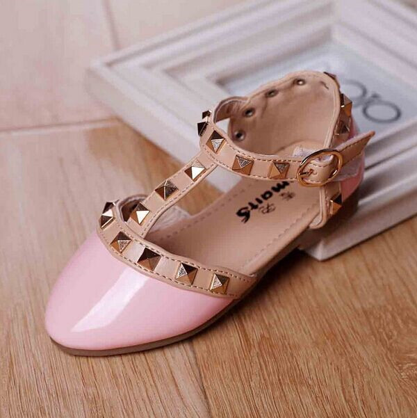 New-Arrival-2017-Spring-Summer-Girls-One-stap-Studs-Sandal-Children-Rivets-T-Strap-Shoes-Patent-Leather-Red-Pink-White-Black-1