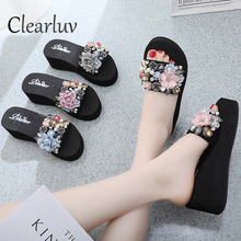 Summer new rhinestone slippers female sweet flowers handmade non-slip beach shoes women wear thick-soled fashion wedge sandals