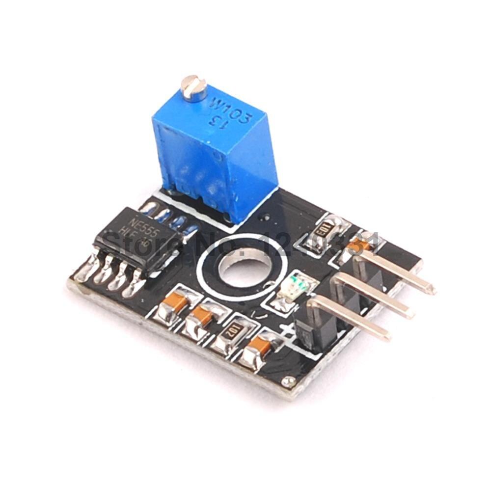Резонатор 1 . 22 NE555