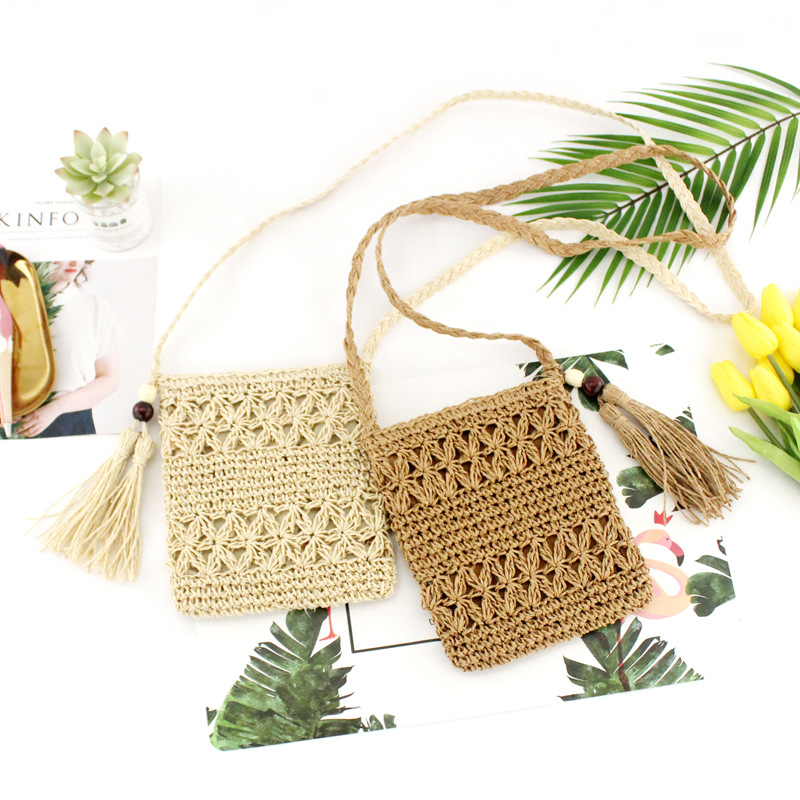 Female Summer Woven Hollow Straw Cross Body Bags Zip Hook Flower Messenger Bag Tassel Straw Shoulder Bag Brown Beige 2 Color