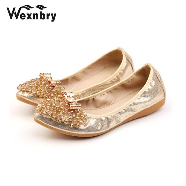 Wexnbry Plus Size Designer Crystal Woman Flat Shoes Elegant Comfortable  Lady Fashion Rhinestone Women Soft Bees Shoes 2018 5083e71e695b