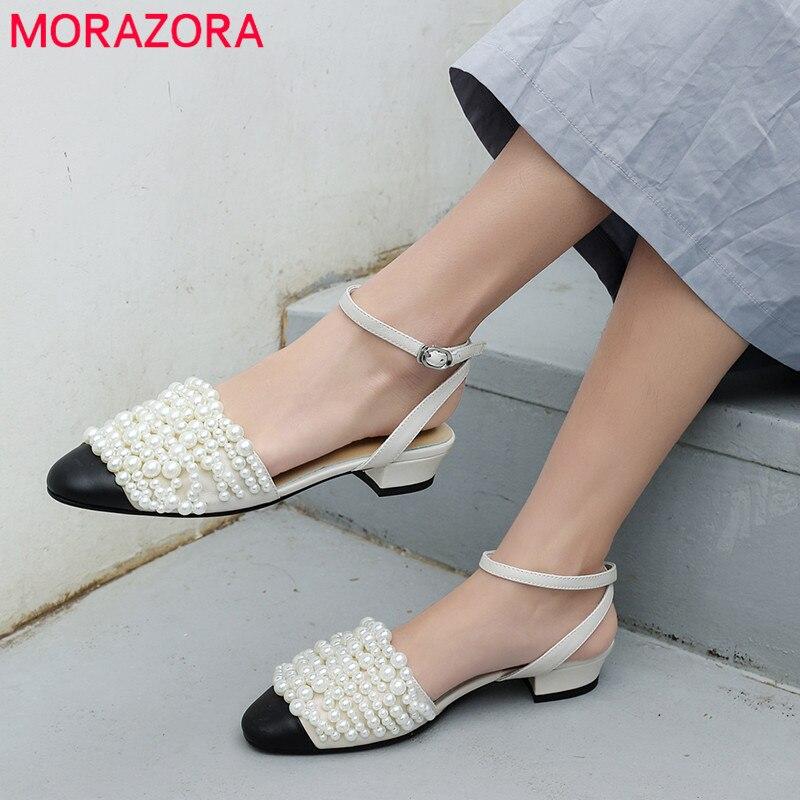 MORAZORA 2019 ใหม่มาถึงของแท้หนังผู้หญิงรอบ toe เพิร์ลฤดูร้อนรองเท้าหัวเข็มขัดหวานคุณภาพสูงรองเท้า-ใน รองเท้าส้นสูงเตี้ย จาก รองเท้า บน   1