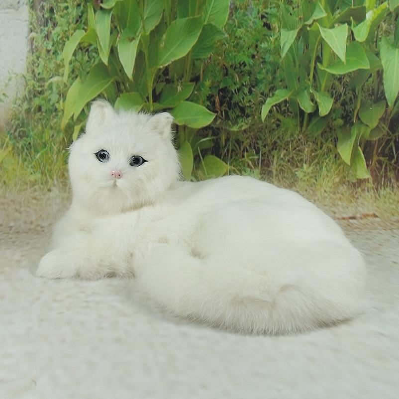 branco modelo simulacao brinquedo gato deitado 01