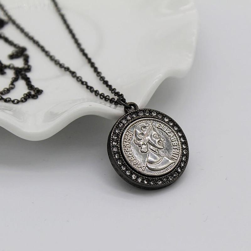 nuevo estilo f55a5 31238 € 4.75 6% de DESCUENTO|Vintage Euro Style negro diamante moneda redonda  principal del encanto del camafeo collar pendiente-in Collares colgantes  from ...
