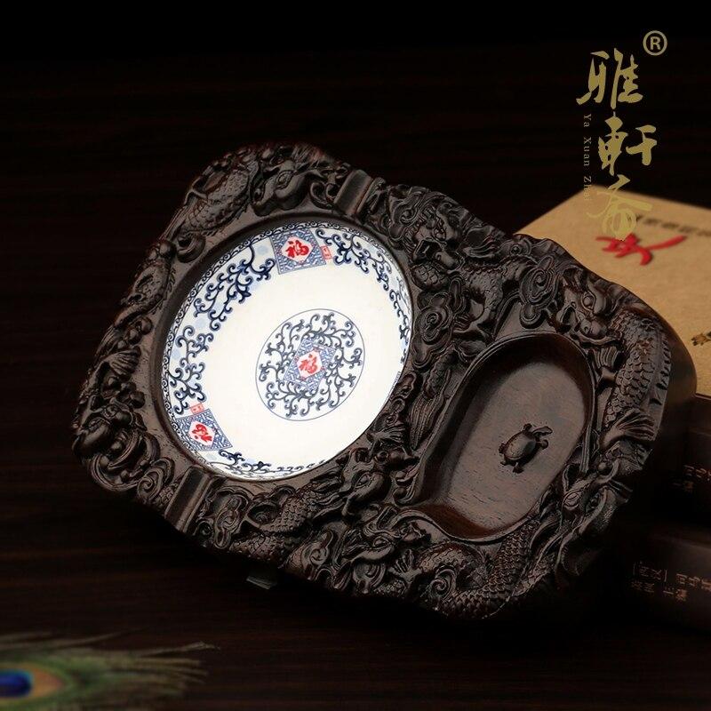 Large ceramic ashtray TZ Zhai rosewood ebony wood Chinese blue and white porcelain ashtray fashion creative personalityLarge ceramic ashtray TZ Zhai rosewood ebony wood Chinese blue and white porcelain ashtray fashion creative personality