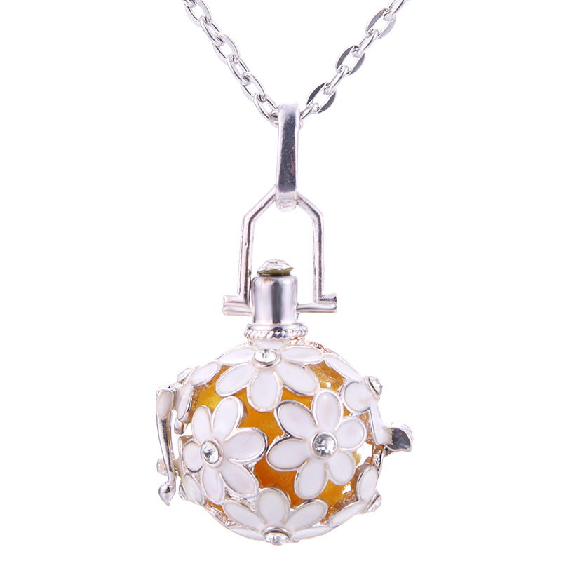 Beautiful Flowers Aroma Diffuser Necklace Open Fashion Locket Pendant Hollow Creative Perfume Essential Oil Diffuser Jewelry
