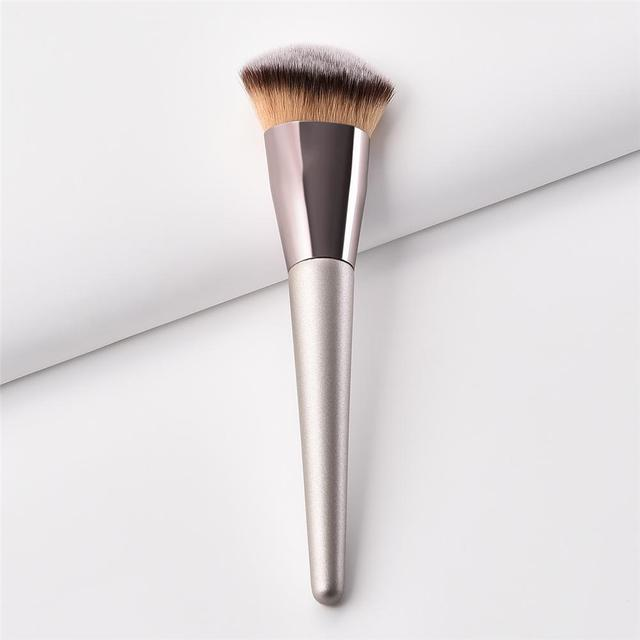 1 PC Professional Makeup Brushes Foundation Blush Brush Face Beauty Tool Kit Hot For Professional Or Home Use 3