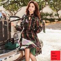 Оригинальный дизайн 2018 бренд весна осень тонкий талией Дамская винтажная лук Раффлед Красный и зеленый плед платье женская обувь оптом