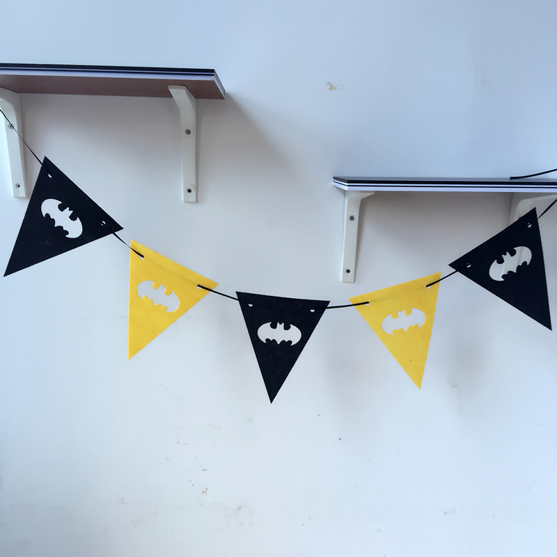 BATMAN SUPERHEROS BUNTING// FLAGS// BANNER FOR BIRTHDAY PARTY 2.5M DECORATION