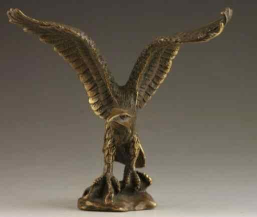จีนวินเทจทองเหลืองฝีมือตอกมั่งคั่งSucceedรูปปั้นนกอินทรี