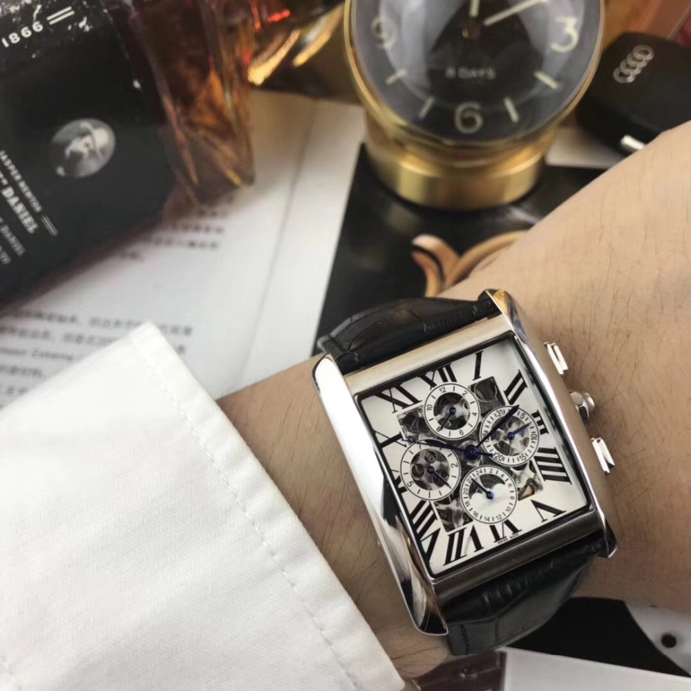 Mens Watches Top Brand Runway Luxury European Design Automatic Mechanical Watch S0715