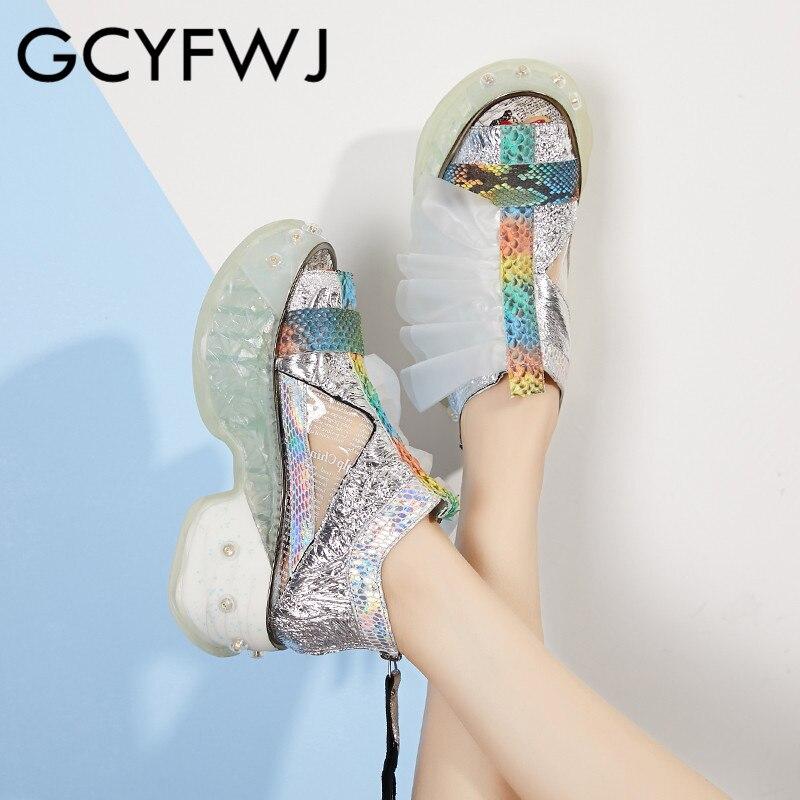 GCYFWJ รองเท้าผ้าใบสตรี 2019 คริสตัล Fluorescent หนังปลาปากรองเท้าแตะ Snakeskin โปร่งใสฟิล์มแพลตฟอร์มรองเท้าผ้าใบ-ใน รองเท้ายางวัลคาไนซ์สำหรับสตรี จาก รองเท้า บน   1