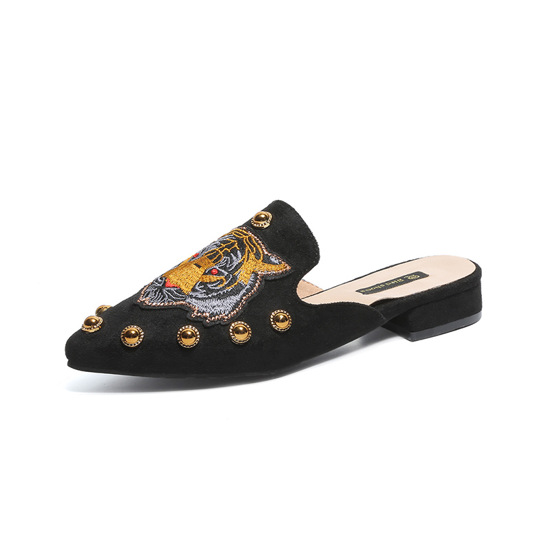 Summer Shoes Woman Rivet Embroidery Leather Loafers Ethnic Pointed Toe Causal Shoes Breathable Sewing Totem Flower Shoes