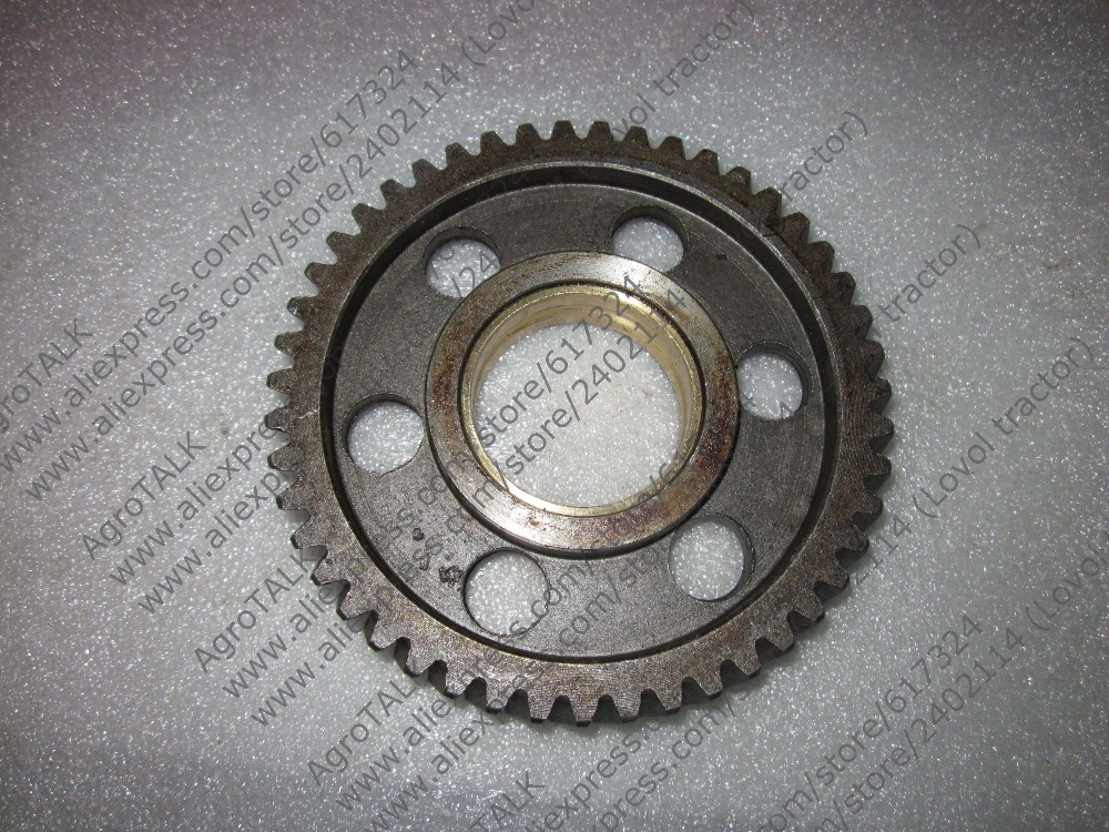 Xinxiang Huanghe TY290X TY295X for tractor like Weituo, Jinma,the idle gear with bush, part number: jiangdong engine jd495t for tractor like jinma luzhong etc the water pump part number