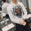 Primavera Moda de Harajuku Hombres Camiseta Cráneo Tigre Impreso Diseñador Para Hombre Floral Camisa de Manga Larga Camisas de Vestir Casuales 12 estilos