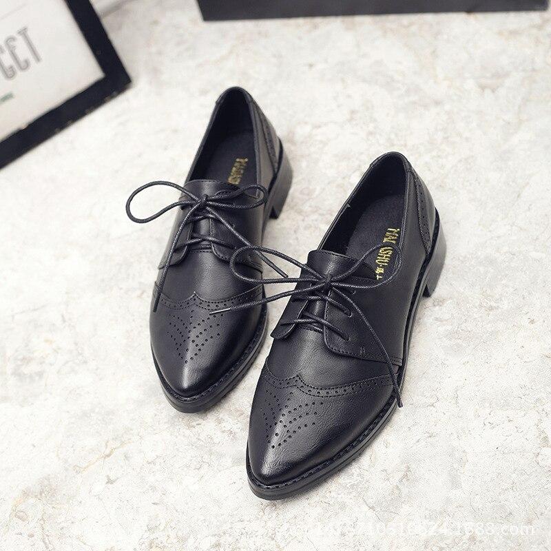 2018 חדש בריטי אוקספורד נעלי אישה שרוכים גילוף בולוק הבוהן מחודדת להחליק על מטפסי הסטודנטיאלי עור דרבי נעליים נשים דירות