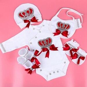 Image 1 - 新生児服セットベビーのセットラインストーンクラウン 0 3 ヶ月帽子 + ボディスーツ + 手袋 + シューズ 4 部品少年少女ジャンプスーツ服