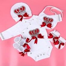 Yenidoğan bebek giyim seti bebeğin setleri rhinestone taç 0 3 ay Şapka + Bodysuits + Eldiven + Ayakkabı 4 parça erkek kız tulum giyim