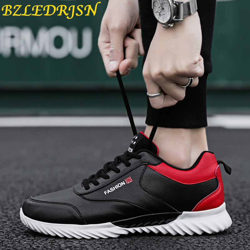 Sports Shoes Men 2019 original Sneakers Man zapatos de mujer Breathable Soft Athletics White Running Shoes Hot trail Sneakers in Running Shoes from Sports Entertainment