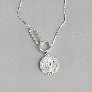 Image 5 - LouLeur 925 srebro vintage Elizabeth naszyjnik z wisiorem w kształcie monety srebrny okrągły kwadrat projekt klamry naszyjnik damska biżuteria