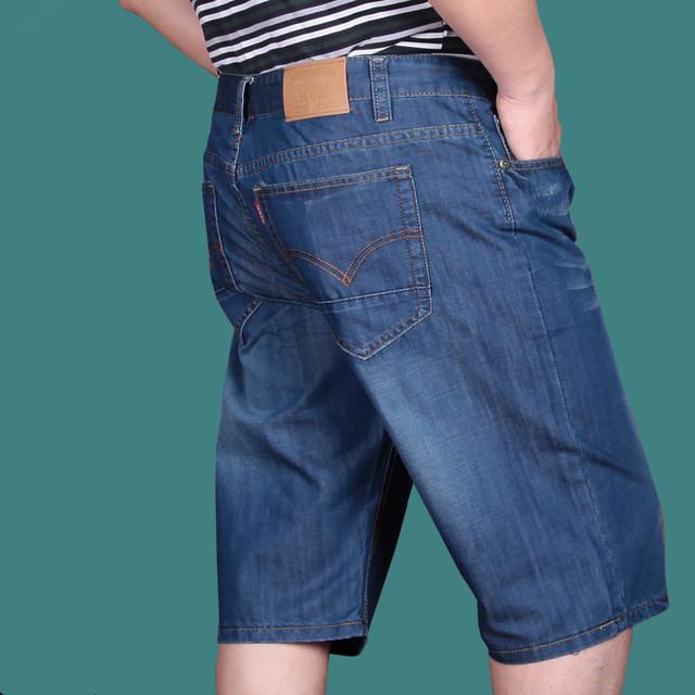 O envio gratuito de Verão fina solta plus size roupas masculinas shorts jeans Na Altura Do Joelho Reta Leve Jean tamanho 28-52