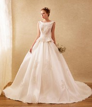 Luxury 2017 A-Line Wedding Dress Style Designer Bridal Dresses Party Gowns Fairytale Princess With Flowers Hand Made