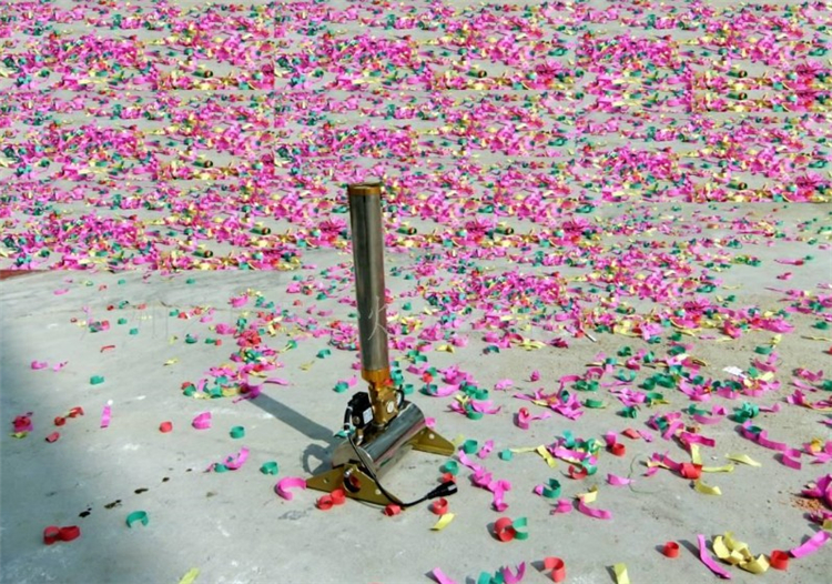 1 Pieces/lot 150w High Quality Hot-sale Streamers Confetti Cannons Confetti Machine For Stage Weeding