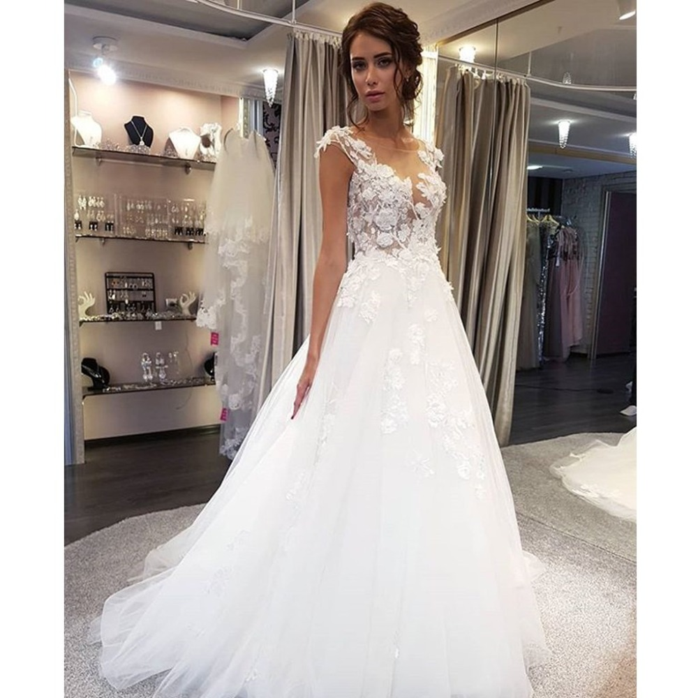 Scoop Wedding Dresses White Lace Applique A Line Sleeveless Illusion Sweep Train Bridal Gown Dress With Back Buttons