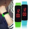 Nova marca LED Contratada moda digital 14 cores crianças homens e mulheres esportes silicone relógio de quartzo Frete Grátis para estudante