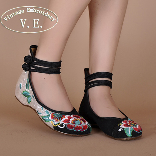 Vintage Embroidery Women Flats Shoes Old Beijing Mary Jane Ballet Shoes Peacock Casual Cloth Flat Woman Big Size 43
