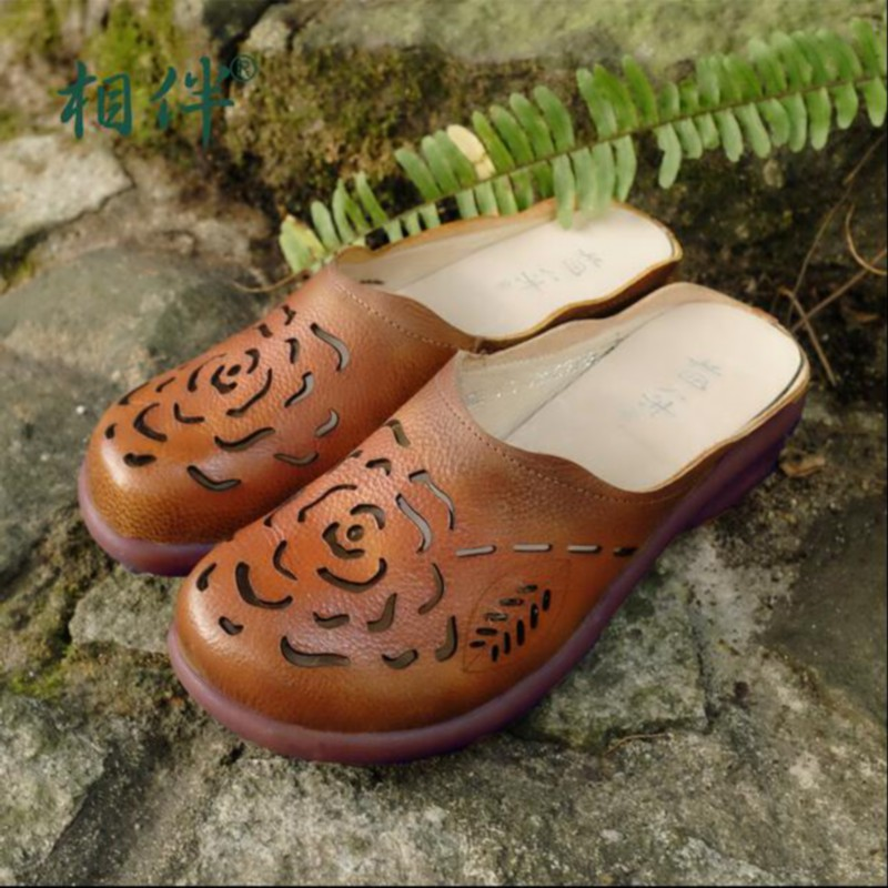 2016 Handmade women s shoes genuine leather slippers carved vintage national trend cutout toe cap covering