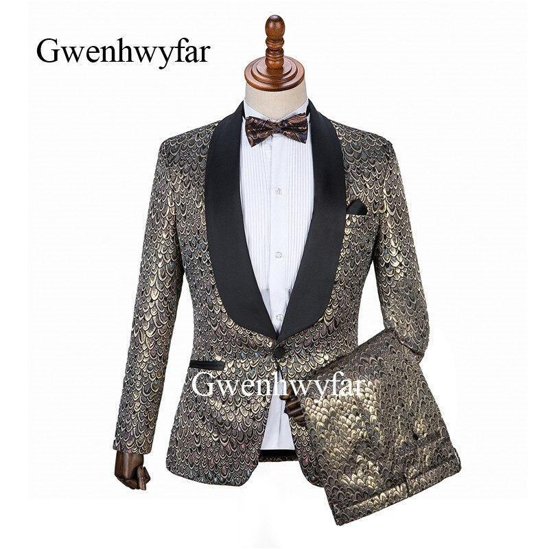 Gwenhwyfar جديد تصميم رجل التطريز الذهب الوردي الأزرق الأحمر الزخارف الدعاوى مرحلة المغني الزفاف العريس سهرة زي 2 قطعة-في بدلة من ملابس الرجال على  مجموعة 1