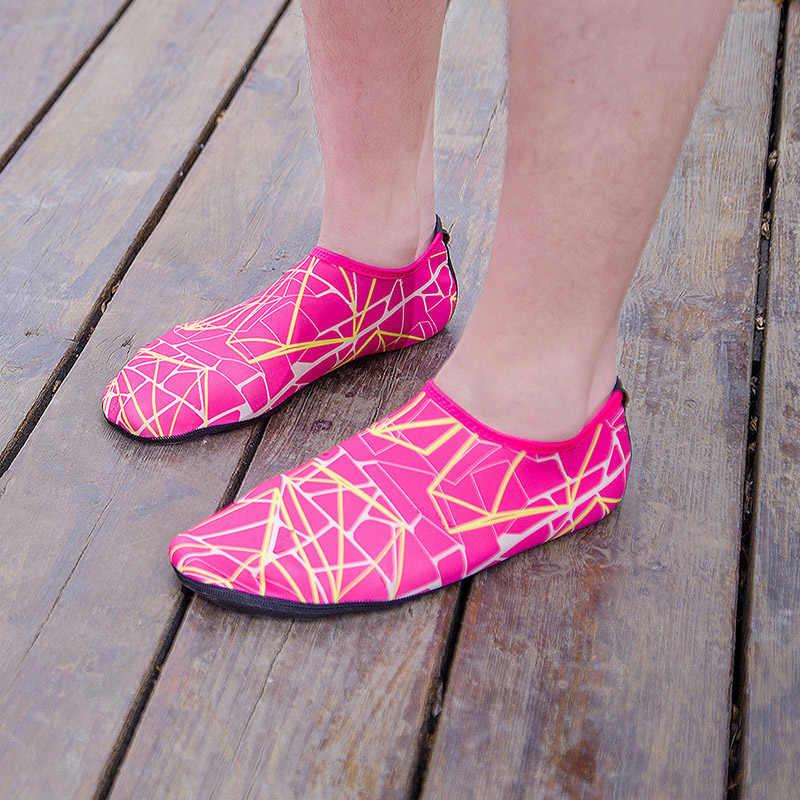 السباحة أحذية ماء الرجال النساء صنادل شاطئ المنبع أكوا أحذية للجنسين سريعة الجافة البحر تصفح النعال جوارب الغوص تنيس Masculino