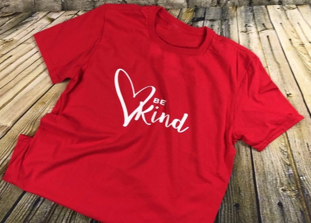 Be Kind Heart graphic simple style women fashion slogan t-shirt cotton casual  aesthetic red 4eff9aff9721