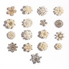 50 stks/partij 17 styels Bling Metalen Parel Strass Knop Voor Craft Clear Plaksteen Decoratieve Knoppen Voor Bruiloft Decoratie