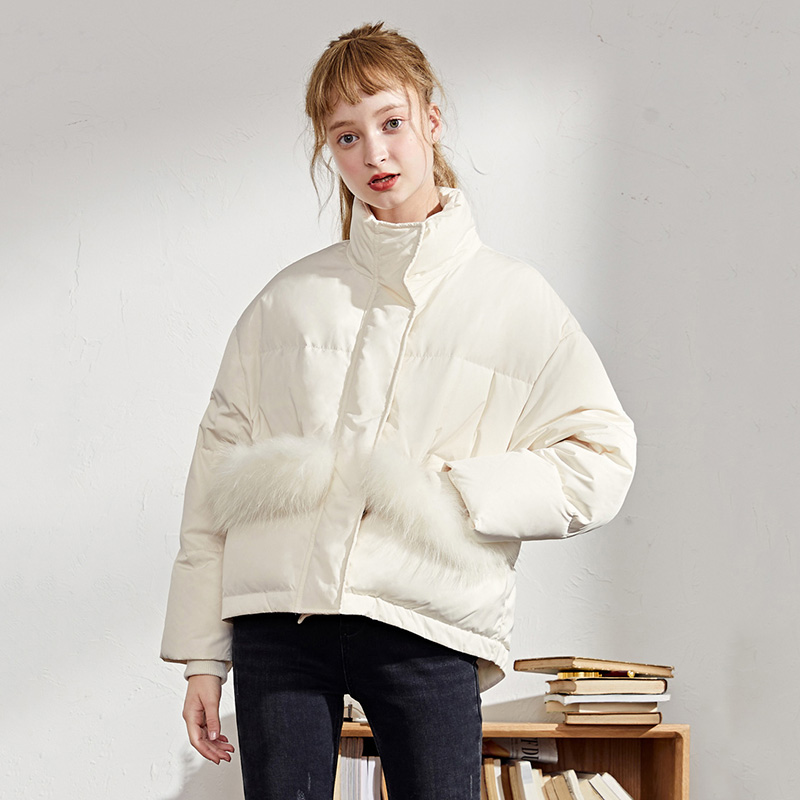 High Fashion Design Women's Down Jacket Winter 90% White Duck Down Coats 2019 New Arrival Detachable Fur Pocket Winter Coat