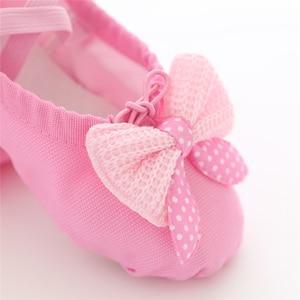 Image 4 - Танцевальная обувь для девочек; мягкие парусиновые балетки для девочек; детские танцевальные носки высокого качества; балетки