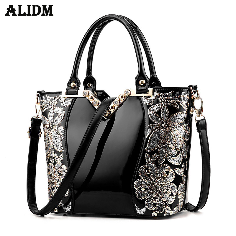 Europe Female Bag High Grade Ms Nobility Leather Large Capacity Leather Bag Famous P U Patent Leather Diamond V Gold New Handbag