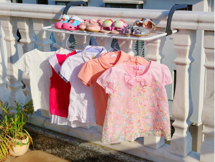 Multi function windowsill clothes horse diaper hangers clotheshorse